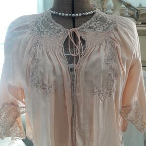 VINTAGE 30'S/40s SATIN PEACH AND LACE BED JACKET